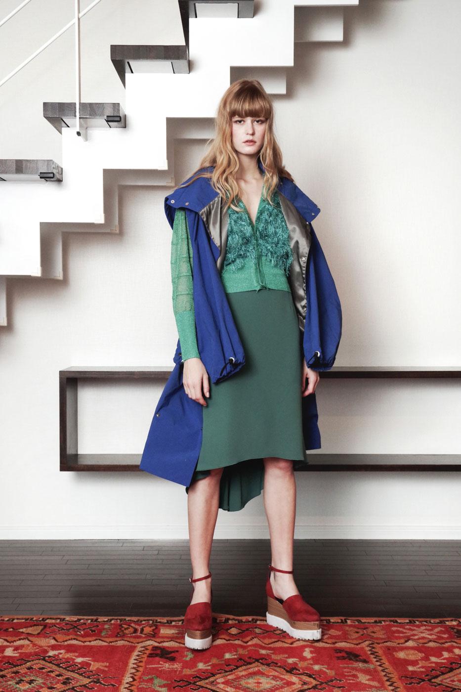 19017 Blouson ¥48,000, 19033 Cardigan ¥24,000, 19024 Skirt ¥23,000