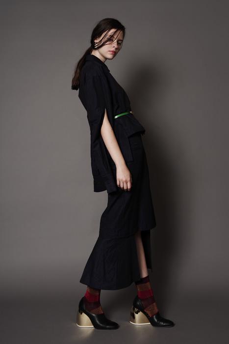 aF-181919 Blouse ¥30,000, aF-181935 Skirt ¥28,000