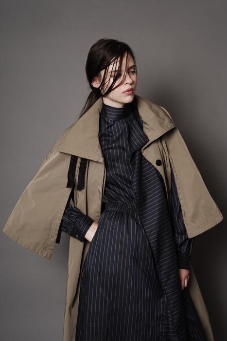 aF-181915 Coat ¥46,000 aF-181930 Dress ¥38,000